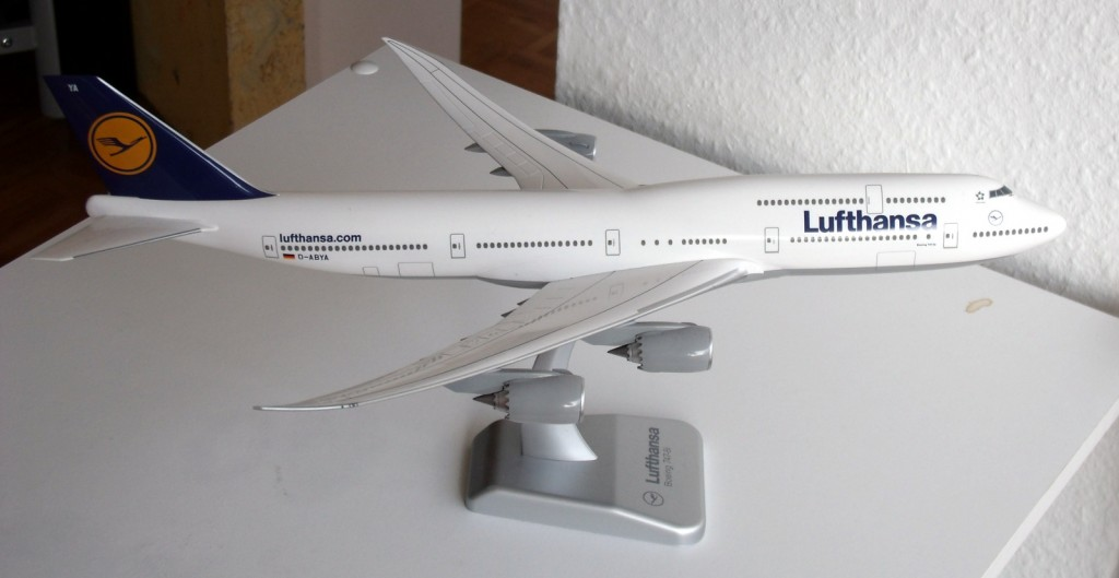 Boeing 747-8i in 1:200
